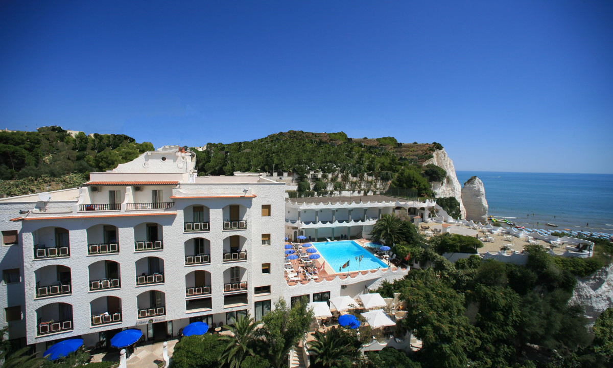The sea view Hotel in the center of Vieste
