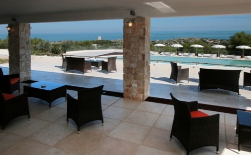 Tourist village with swimming pool for beach holidays in Vieste